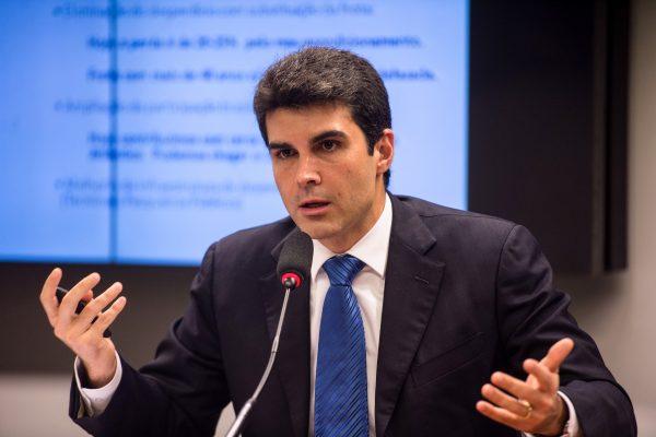 O ministro da Integração Nacional,  Helder Barbalho
